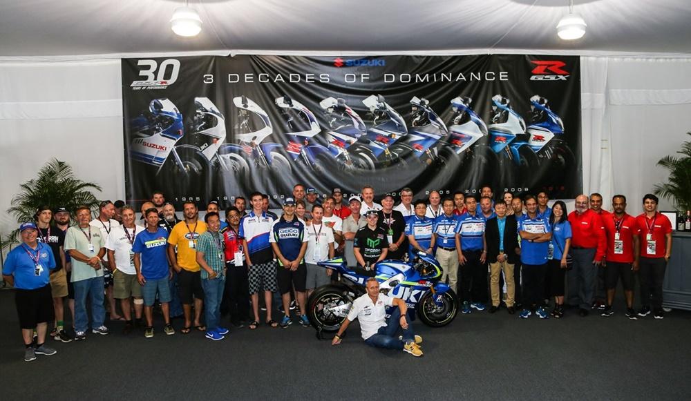 Юбилейный мотоцикл Suzuki GSX-R1000 Commemorative Edition 2016