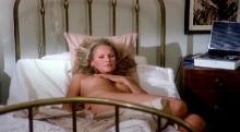 Чувственная медсестра / Медсестра / L'infermiera / The Sensuous Nurse (1975) DVDRip