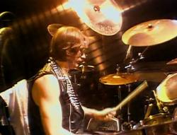 Judas Priest - Live Vengeance '82 (1982) DVDRip от MediaClub {Android}