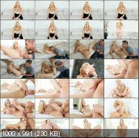 MyVeryFirstTime - Brooke Logan - Brooke's First Anal [SD]