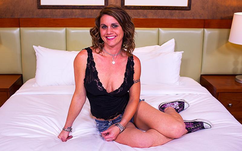 MomPov – Jayden – Tight body stripper MILFs first porn