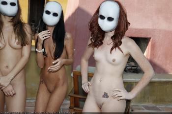 Spooky Masked Aliens 2